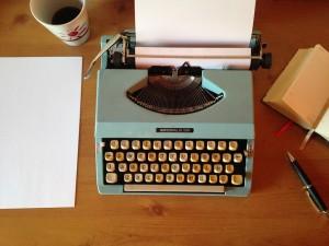 Bien écrire pour le Web : 17 dossiers pratiques